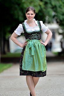 Dirndl: De vestido de sirvienta a Traje de honor bávaro