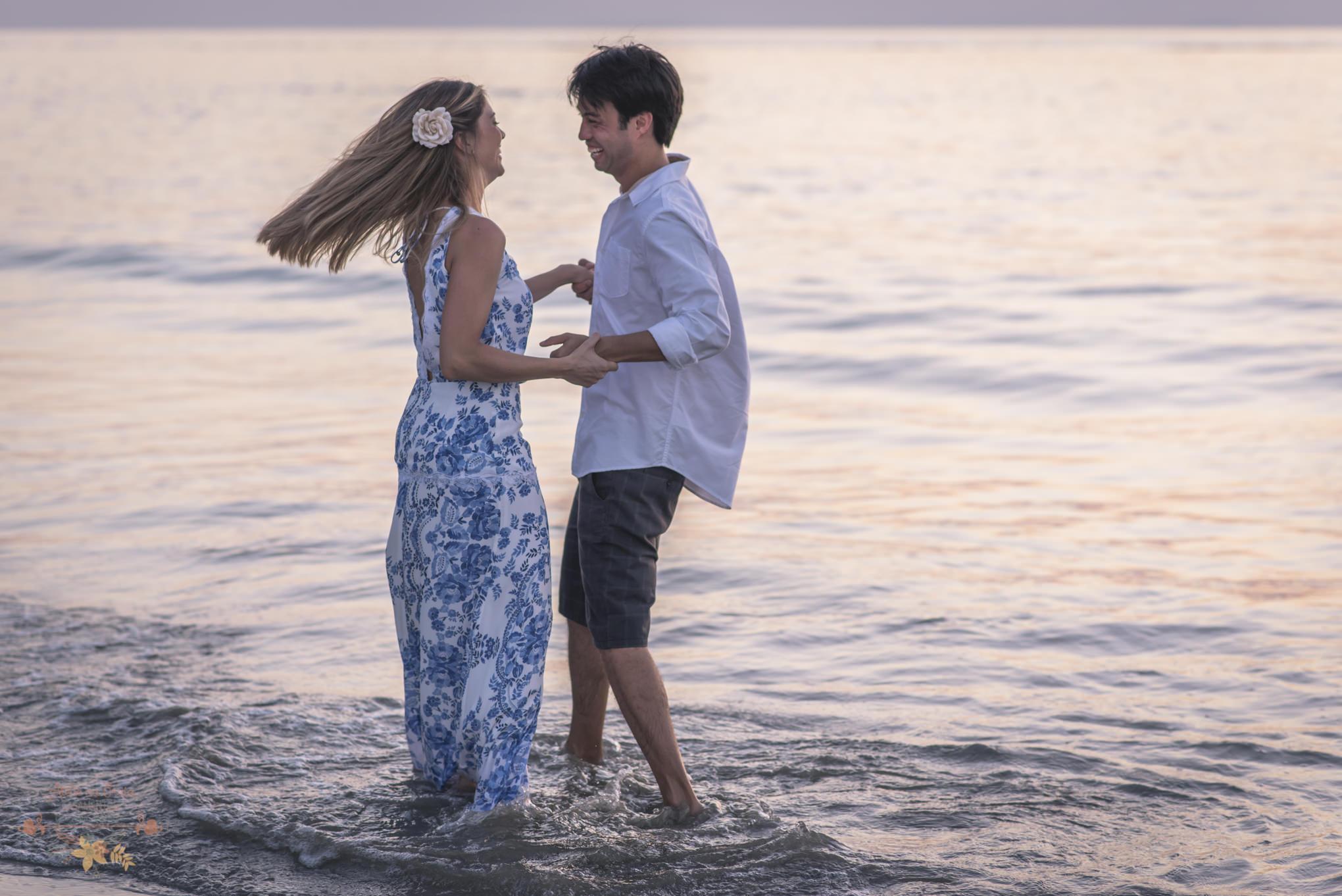 Atelie-na-Praia-Pre-Wedding-Noivos-Carol-Thomas-PQ-3552