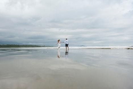 Atelie-na-Praia-Pre-Wedding-Isabele-Vini