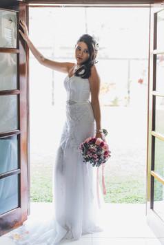 01-Noiva-Atelie-na-Praia-Casamento-Nathalia-Daniel_CSND0791.jpg
