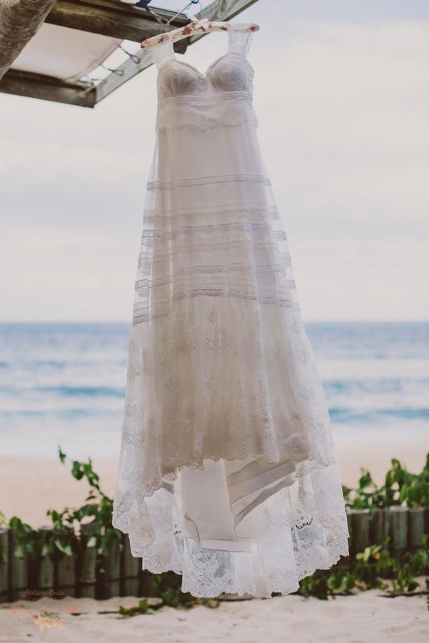 1-NoivaNoivo-Atelie-na-Praia-Casamento-Paula-Eric_CSLR0001.jpg