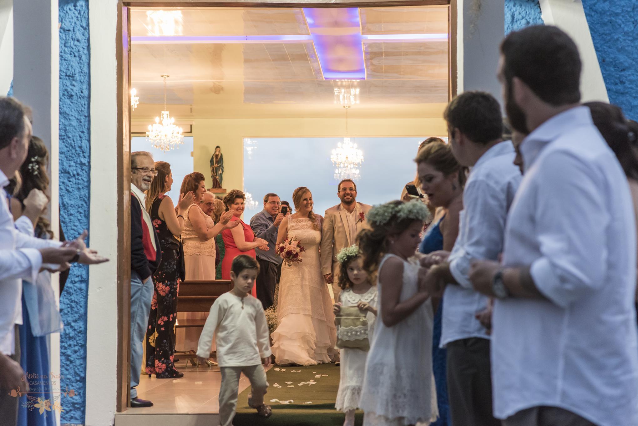 04-Cerimonia-Atelie-na-Praia-Casamento-na-Praia-Erica-Daniel-9091