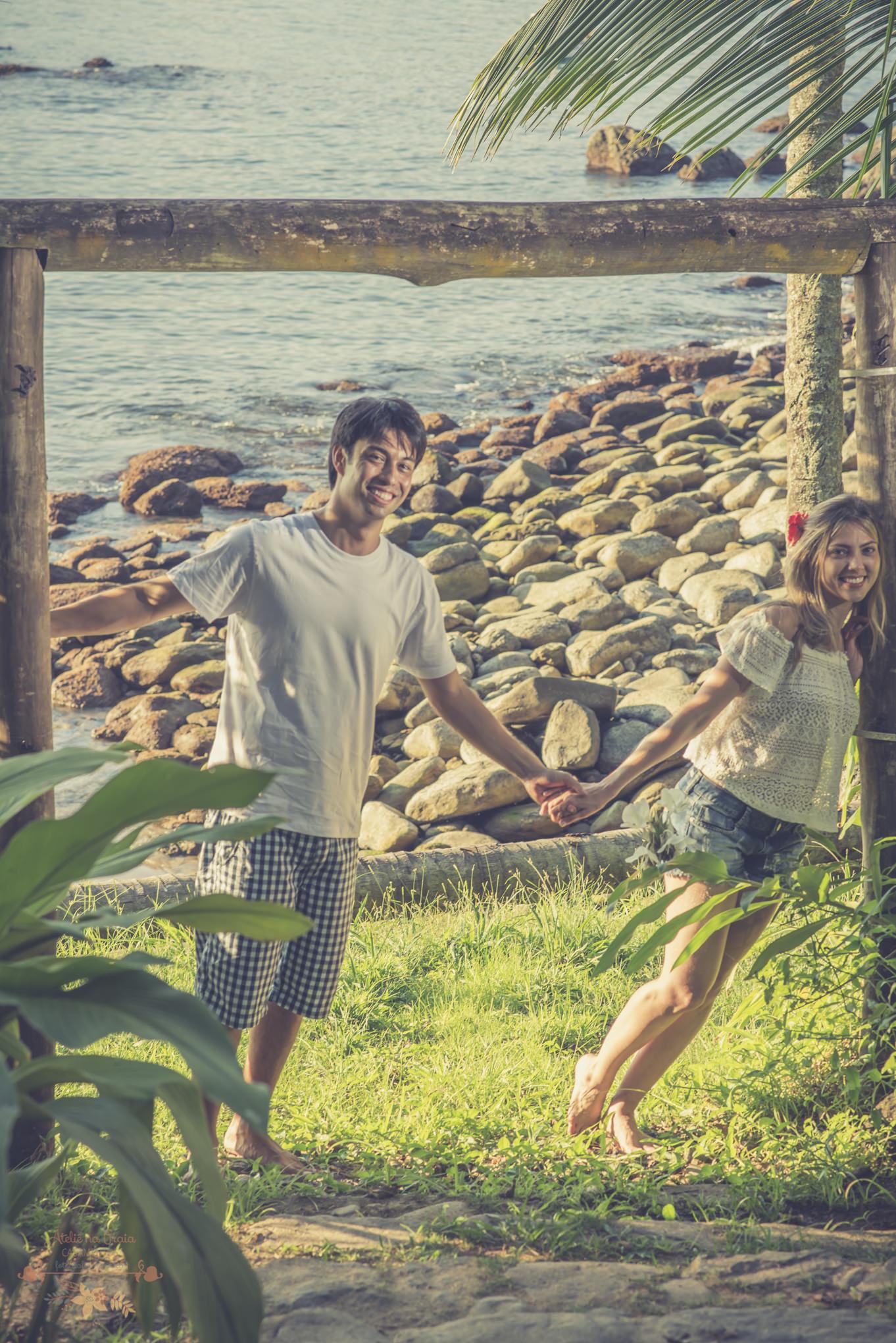 Atelie-na-Praia-Pre-Wedding-Noivos-Carol-Thomas-PQ-3277