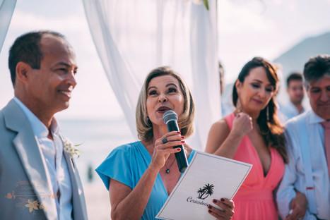 3-Cerimonia-Atelie-na-Praia-Jessica-Marc