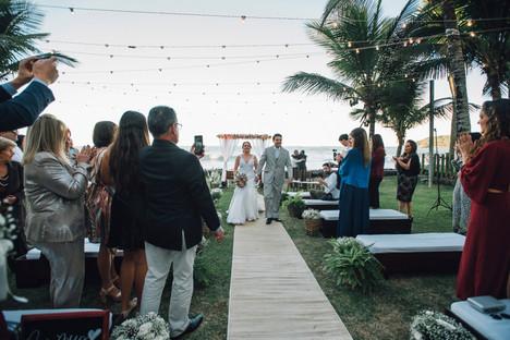 3-Cerimonia-Atelie-na-Praia-Elen-Felipe_