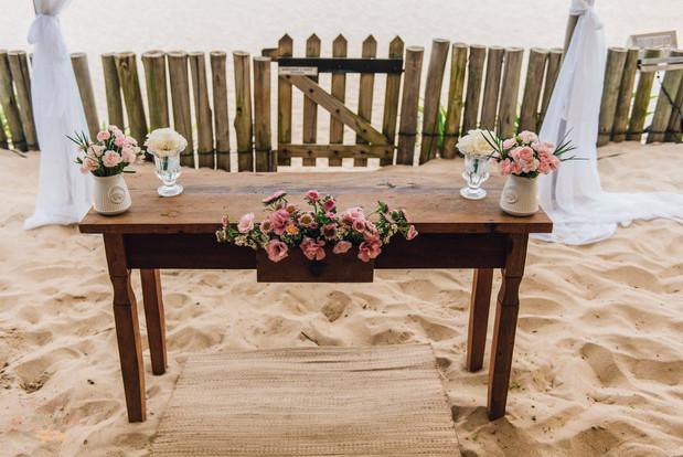 2-Decoracao-Atelie-na-Praia-Casamento-Paula-Eric_CSLR0148.jpg