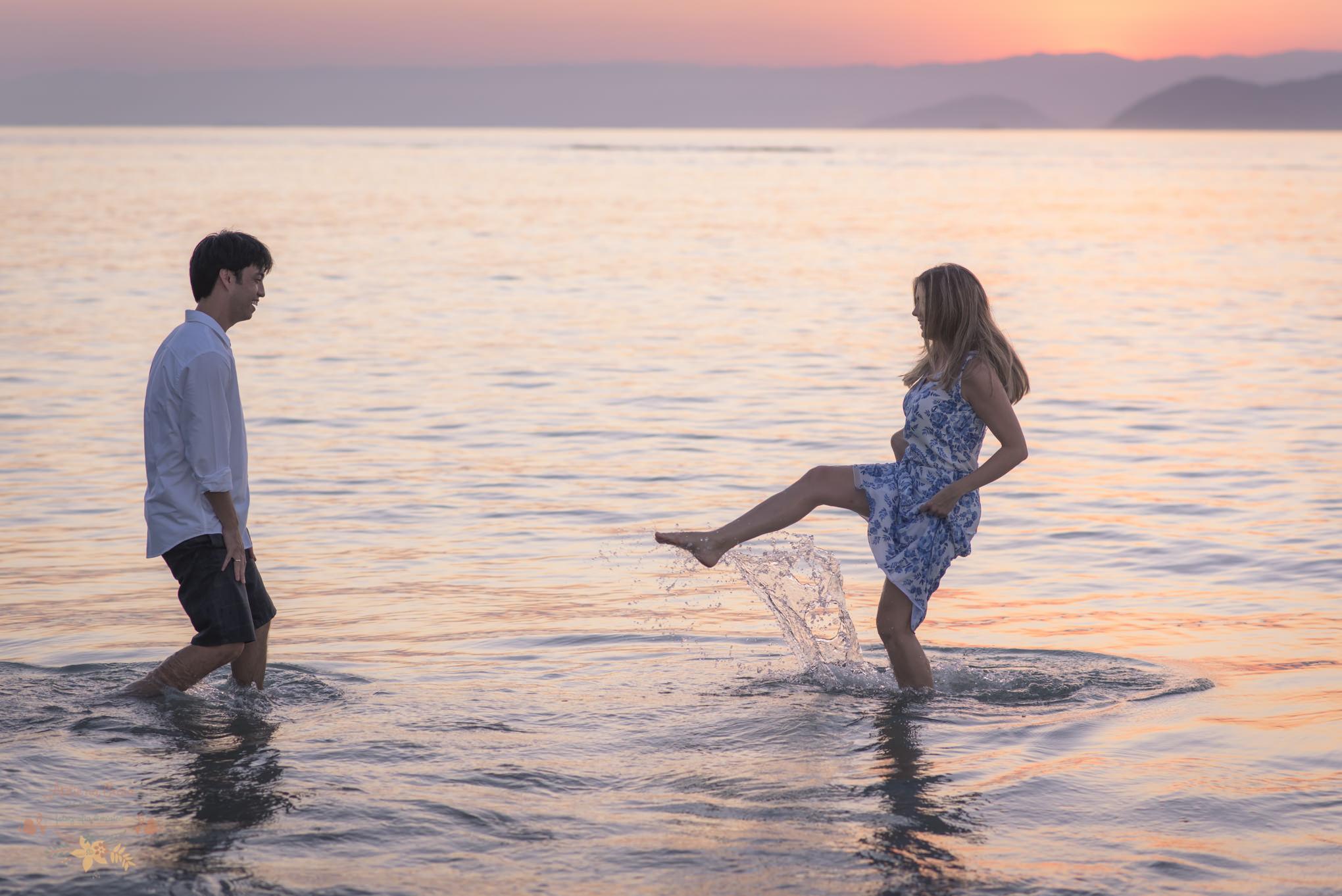 Atelie-na-Praia-Pre-Wedding-Noivos-Carol-Thomas-PQ-3565