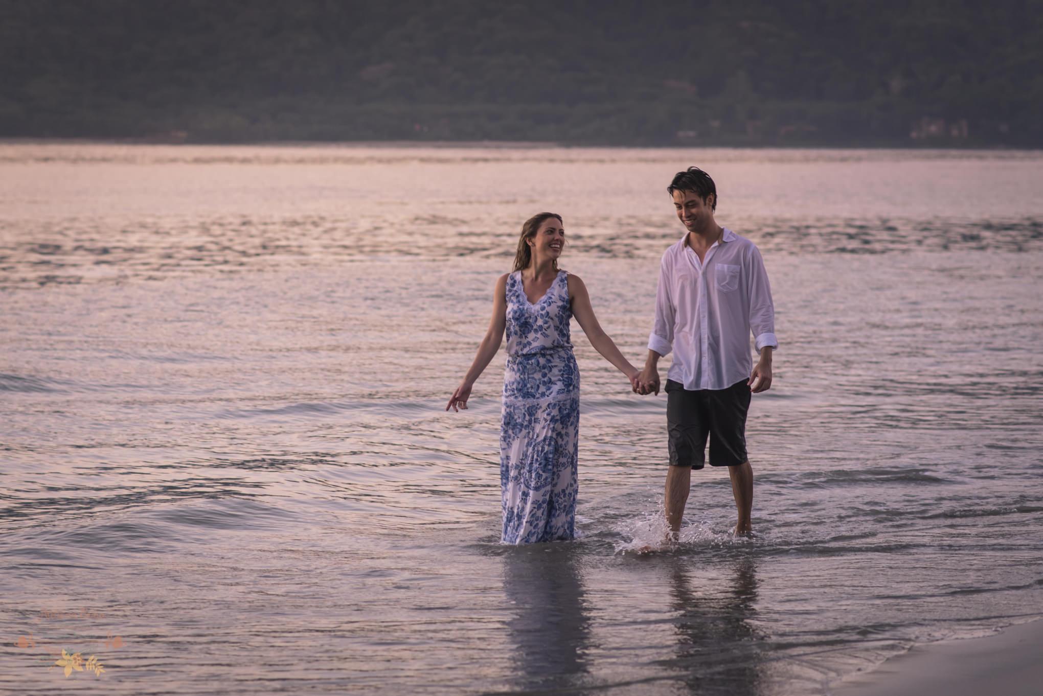 Atelie-na-Praia-Pre-Wedding-Noivos-Carol-Thomas-PQ-3699