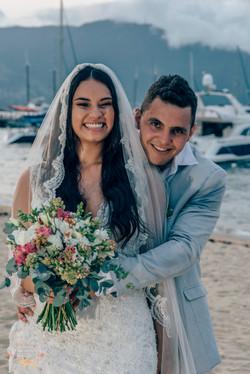 05-Ensaio-Noivos-Atelie-na-Praia-Casamento-na-Praia-Natalia-Felipe-PQ-9716A