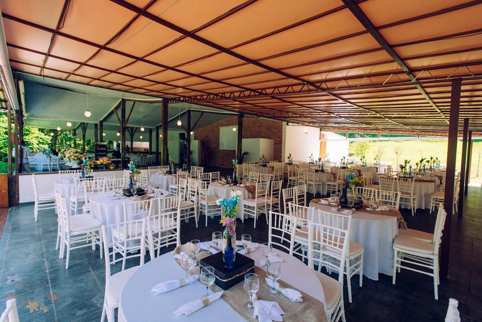 Atelien-na-Praia-Fabiana-Neto-Casamento-Campo_CSFN0216.jpg