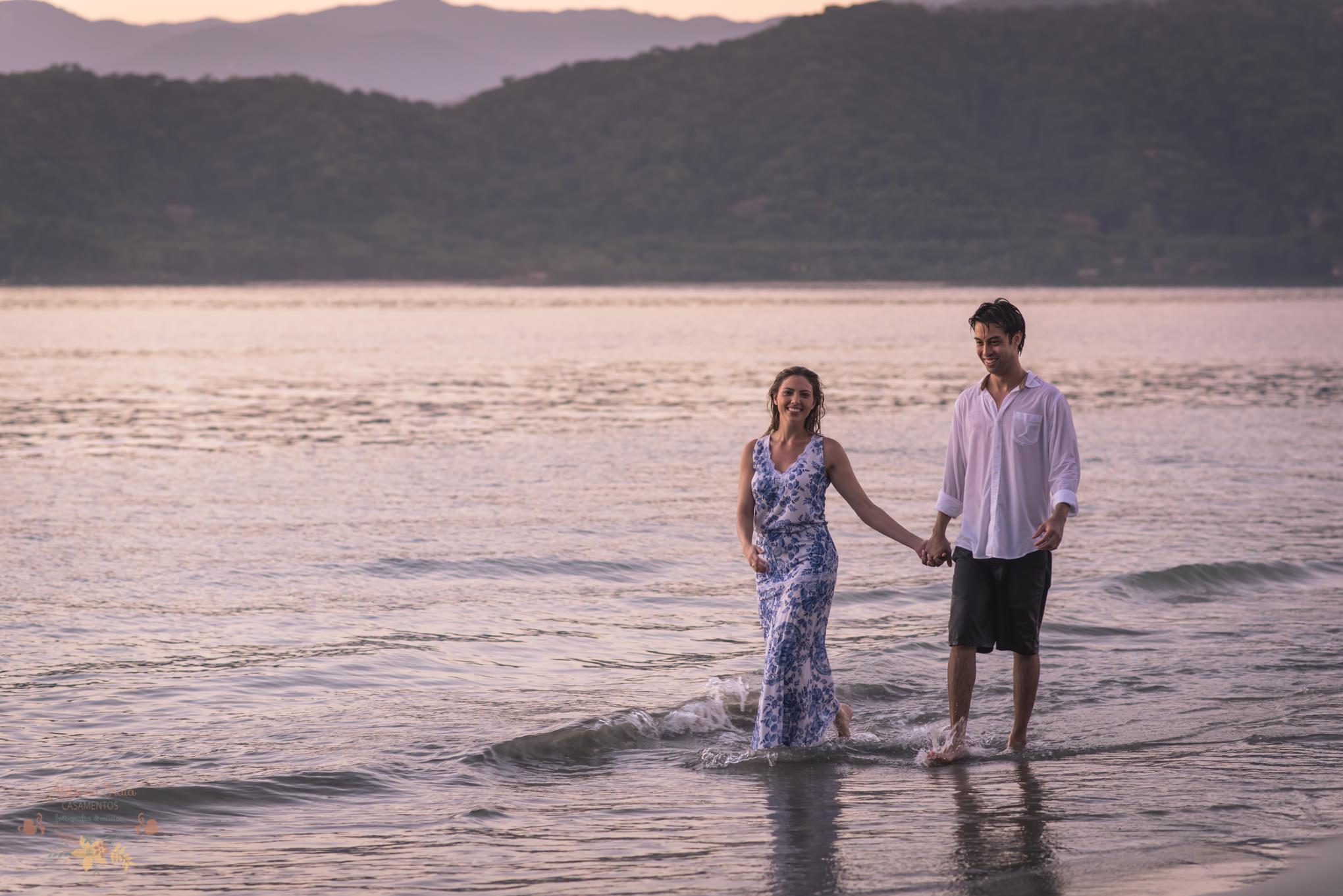 Atelie-na-Praia-Pre-Wedding-Noivos-Carol-Thomas-PQ-3700