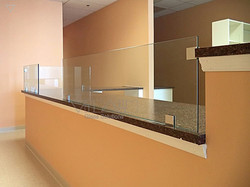Glass_Barriers_m_003