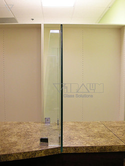 Glass_Barriers_m_005