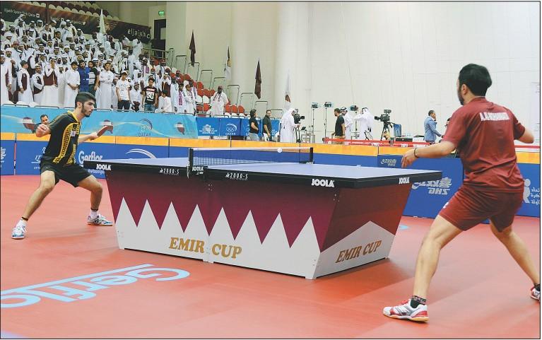 El Jaish's Ahmed Khalil al Mohannadi (right) in action against Qatar Sports' Mohammed Abdulwahab on Sunday. (rAFeek PAlAyoor)