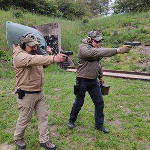 2 mann pistol koffer sack .JPG