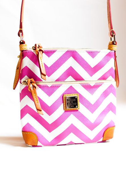 DOONEY & BOURKE - Pink/White Chevron Handbag