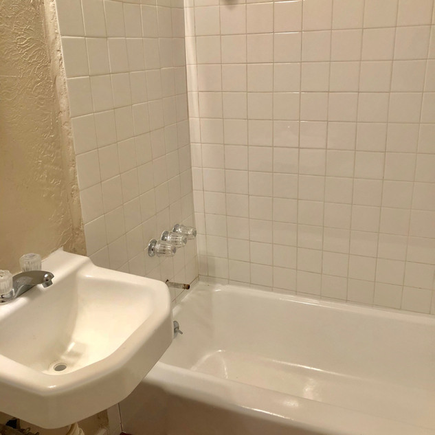 1756 w main bathroom .jpg