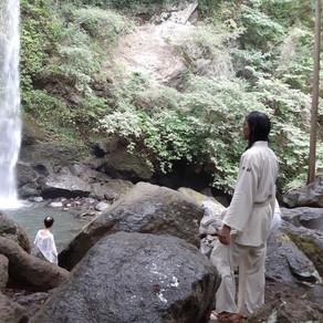 第二十話 和ノ音-blog essay- 滝と合い、手放す。神奈川県足柄上郡「夕日の滝」滝行合宿