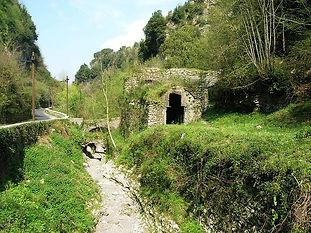 800px-Valle_dei_Mulini_10.jpg
