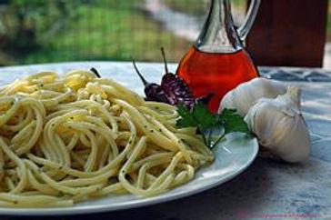 260px-Spaghetti_di_Gragnano_e_colatura_d