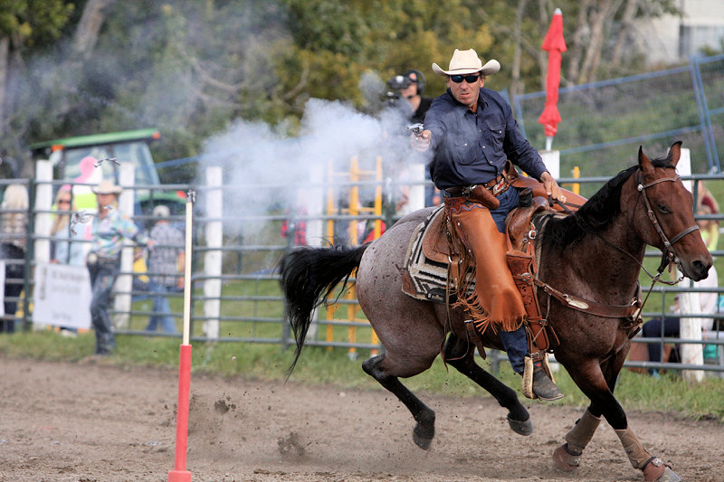 2016 Cochrane Lions Rodeo (8)