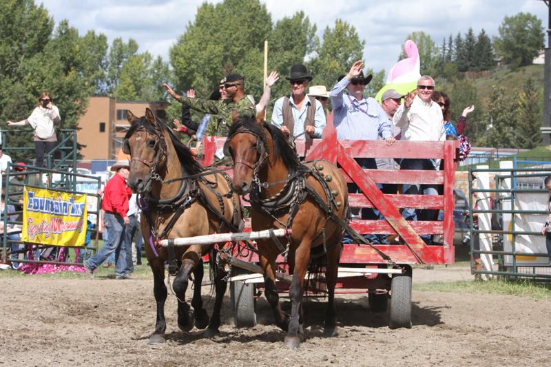 2016 Cochrane Lions Rodeo (15)