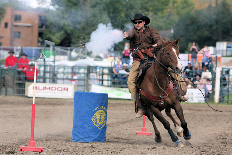 2016 Cochrane Lions Rodeo (7)