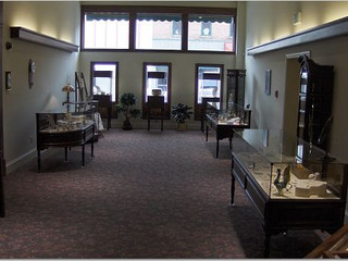 Middle Showroom