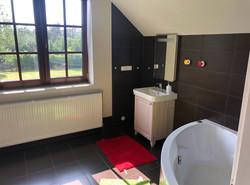 Koupelna v prvním patře