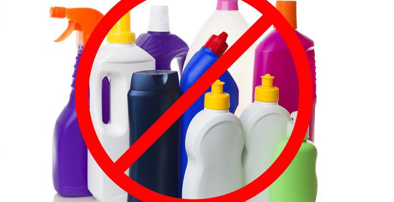 Cleaning Products That Are Slowly Killing You -and A List Of Healthy Alternatives