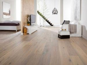 Beaulieu-Navarre-Aude-Oak-Floor-and-Wall
