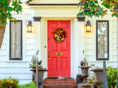 HOW TO ORGANIZE AND STORE YOUR HOLIDAY DECORATIONS