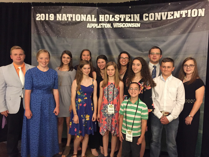VA Juniors Leaped to Success at National Holstein Convention