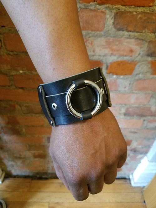 Stainless Steel O-Ring Leather Cuff