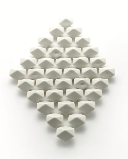 이예선, Cloud-04, 300x500x50cm, Ceramic, 2020