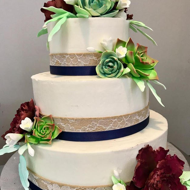 Succulents and Burlap Buttercream Weddin