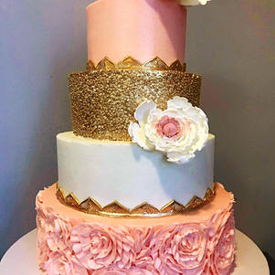 Wedding Cake Ruffle Rosettes and Gold Qu