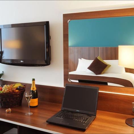 DIL_Room_table.jpg