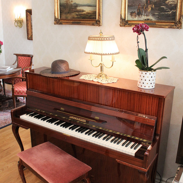 Pianoet i salongen