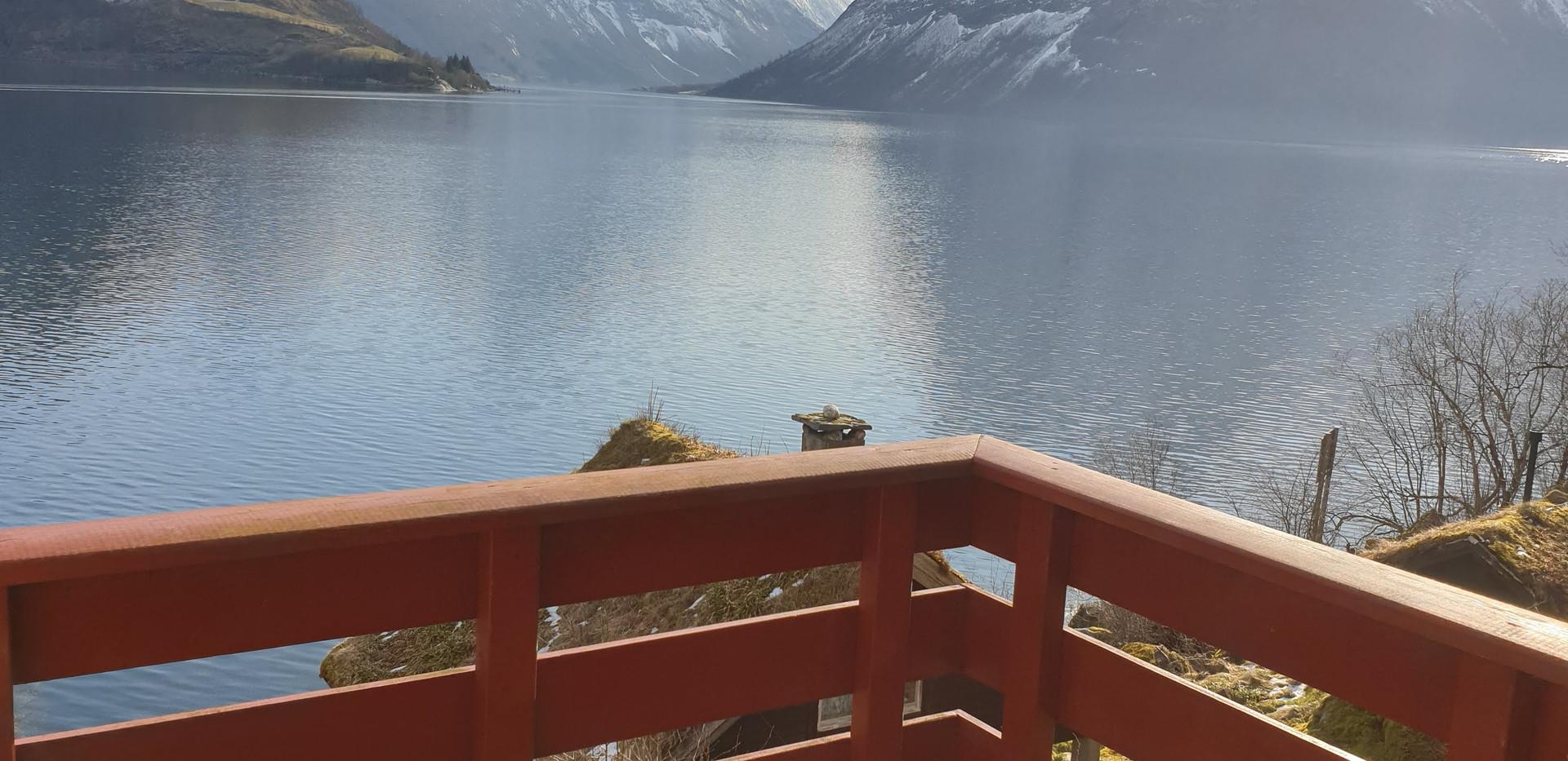 Utsikt hytte 5 fra veranda.jpg