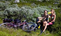 2 sykkeldamer