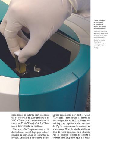 Leitura dos pigmentos de urucum em espectrofotômetro - Acervo particular do autor