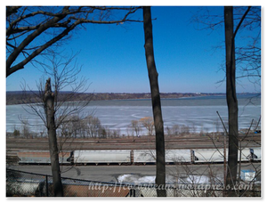 公園後方可以看到Lake Ontario