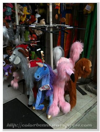 Granville Island 很少在台灣看到的戲偶