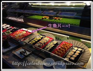 不少壽司和生魚片喔~ :D