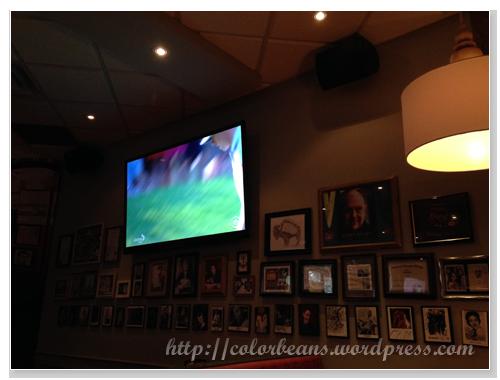 美式餐廳,當然就要看球賽阿!