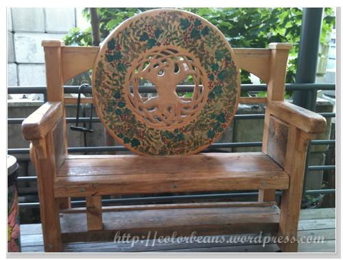 Granville Island 好中式的椅子,來這裡很少看到了~