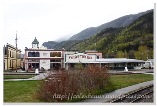 Skagway 這棟小巧可愛的建築就是搭White Pass的火車站!
