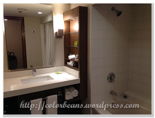 乾淨寬敞的浴室