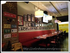 Anchor Bar的裝潢就很美式餐廳